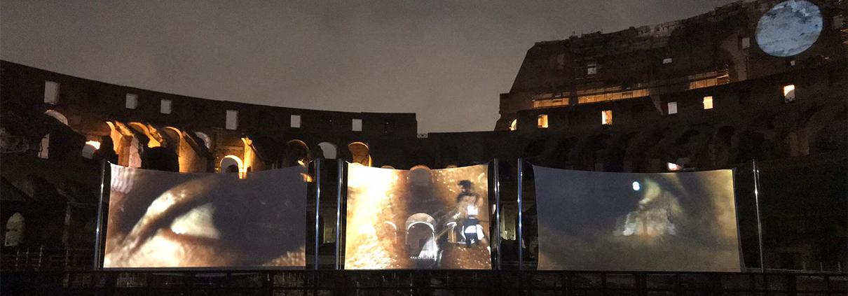Neo Tech - Allestimento Luna sul Colosseo